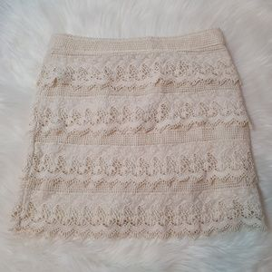 AMERICAN EAGLE Off-White Lace Skirt